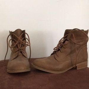 Shoes - NEW brown Booties